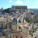 シチリア島カターニア発 専用車で日帰り観光プライベートツアー