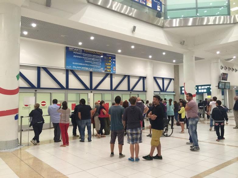 イタリアのプーリア州バーリ空港の専用車による送迎サービス