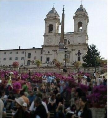 ナポリ発ローマ市内のホテルまたはフィウミチーノ空港へ送迎