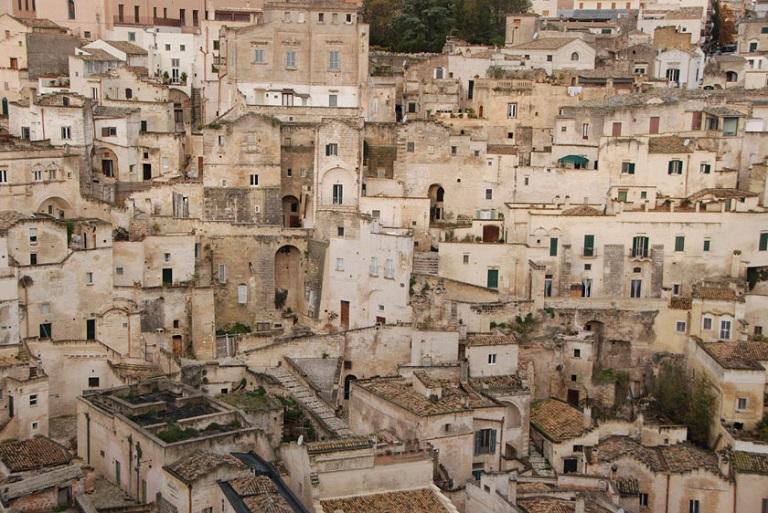 南イタリア アルベロベッロ、マテーラ、オストゥーニとレッチェの旅